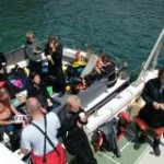 divers-on-boat